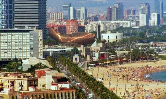 Cataluña visitaron 7,1 millones de turistas extranjeros en el primer semestre de 2014