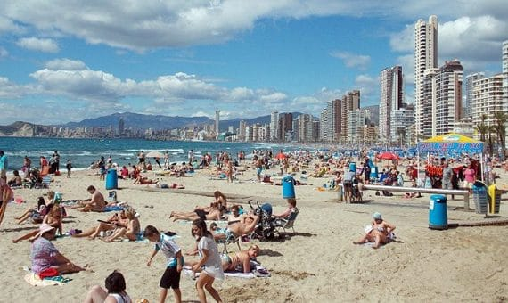 Los turistas extranjeros gastan en España un 7% más que en 2013