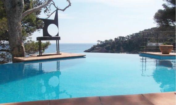 Calles tranquilas y playas magníficas, o por qué usted necesita un apartamento en la Costa Brava