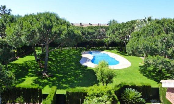 Un apartamento, un chalet o una casa en Barcelona: ¿qué opción elige usted?