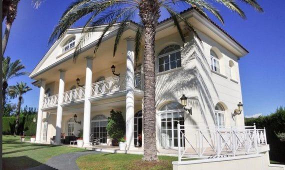 """Alquilar una casa en la Costa Brava: """"la costa salvaje"""" le está esperando"""