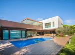 12704 – Impresionante villa en una gran parcela de 1000 m2 con piscina, cerca del mar en Castelldefels | 0-lusavillaforsalecastelldefelsbarcelonapng-2-150x110-png