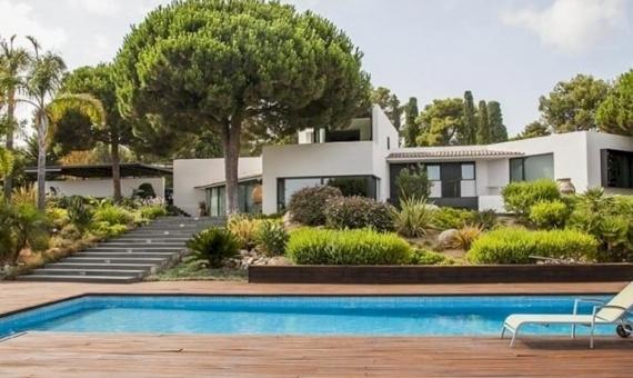 Venta de casa moderna con parcela grande en Mataro | 10321-12-570x340-jpg