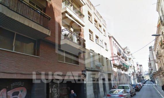 Edificio de 12 viviendas con zona común con piscina en venta, barrio de Les Corts | 0-lusabuildingsalebarcelonapng-2-570x340-png