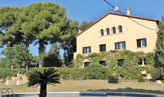 Venta de una mansión con parcela de 6000 m2 en Cabrera de Mar   10527-7-570x340-jpg