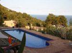 12733 – Amplia villa de 900 m2 con vistas al mar y piscina en la urbanización Cala Sant Francesc, Blanes | 10787-10-150x110-jpg