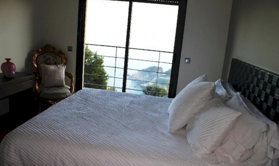 Villa moderna con vistas espectaculares al mar en la prestigiosa urbanización de Cala Sant Francesc, Blanes   11030-19-570x340-jpg