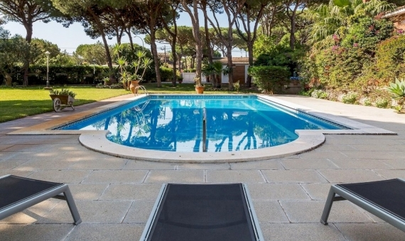 Gran casa de lujo muy cerca a la playa en Castelldefels | 11309-10-570x340-jpg