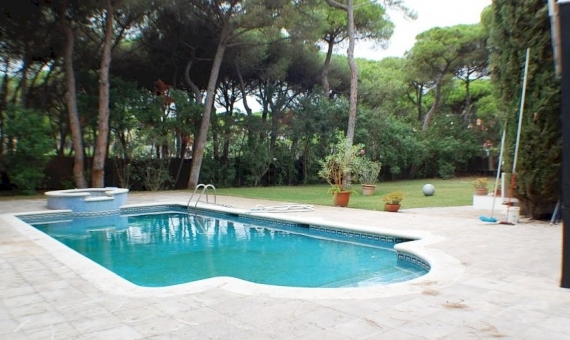 Casa con dos pisos independientes en Castelldefels | 11360-14-570x340-jpg