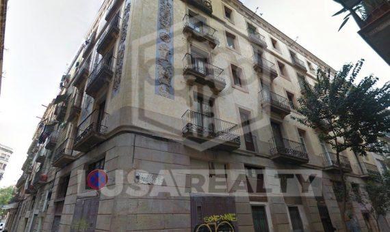 Edificio residencial de 12 pisos y 3 locales con inquilinos en venta  en el barrio Gotico de Barcelona | 11612-0-570x340-jpg