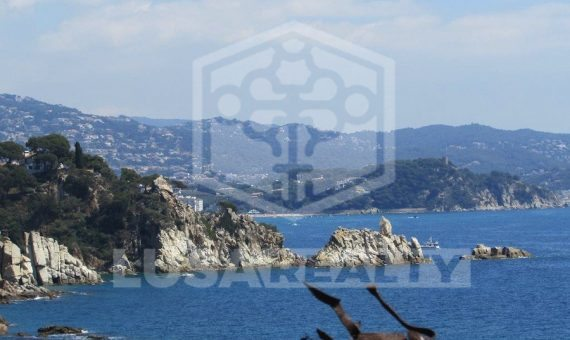 Villa con vistas espectaculares al mar en urbanización Cala Sant Francesc, Blanes   11799-12-570x340-jpg