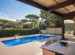 12704 – Impresionante villa en una gran parcela de 1000 m2 con piscina, cerca del mar en Castelldefels | 11900-7-150x110-jpg