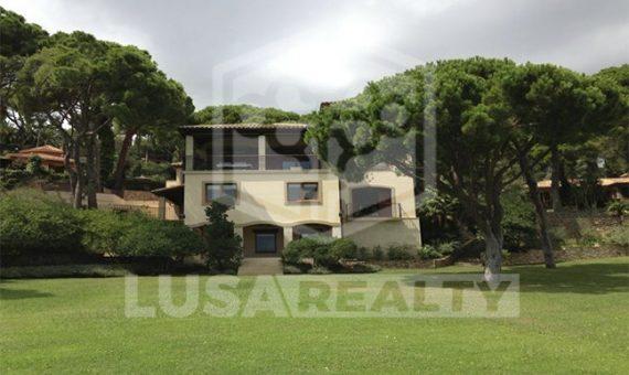 4029  Masia y Castillo  Costa Brava | 12105-3-570x340-jpg