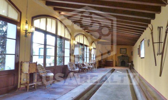 Venta de masía cerca de Barcelona con permiso de un hotel | 12439-15-570x340-jpg