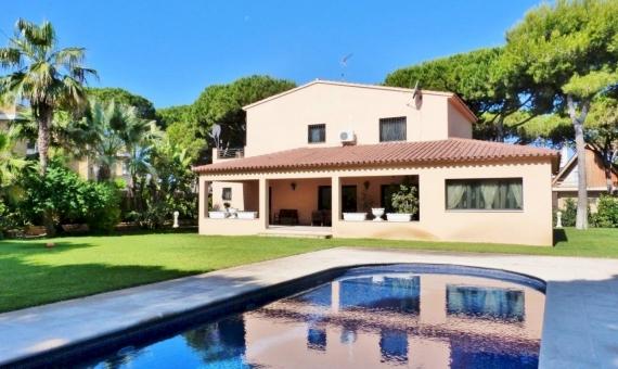 Casa con parcela grande en la 2da linea del mar | 13350-5-570x340-jpg