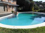 12686 – Expectacular casa de 8 dormitorios en la parcela de casi 2500 m2 en Cabrils | 5675-1-150x110-jpg