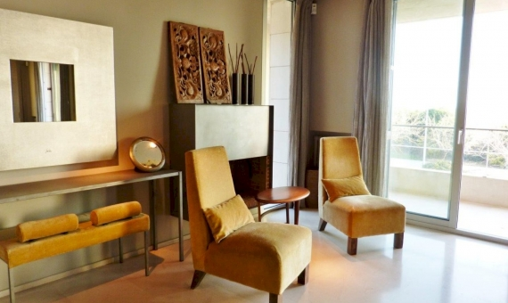 2153  Casa de diseño en la 1ra linea del mar | 0-lusa-luxury-villa-gavamar-2-3-570x340-jpg