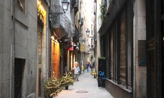 Local comercial en venta con licencia de tienda en el centro del Barrio Gótico | 6651-0-570x340-jpg