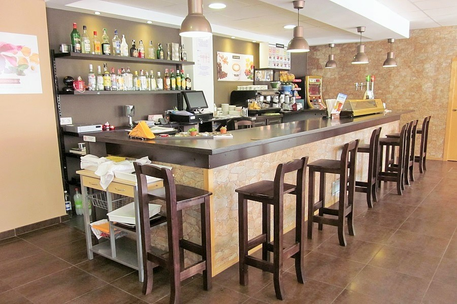 12607 – Restaurante en traspaso en Casteldefells   706-1-jpg