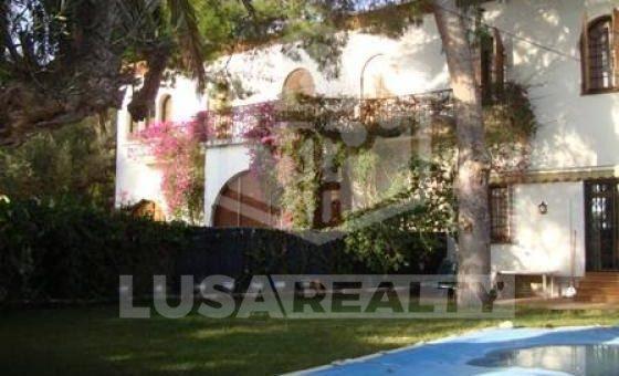 2184  Casa de estilo modernista con gran terreno en Castelldefels | 9991-2-560x340-jpg