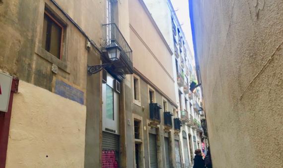 Finca con Galeria Arte en el Centro Historico de Barcelona | 7-whatsapp-image-20170313-at-113705-570x340-jpg