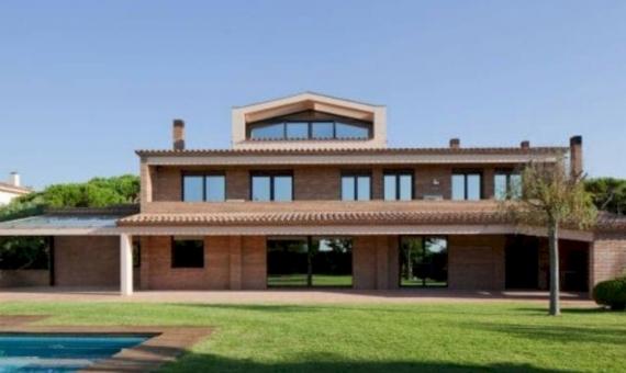 Espectacular casa con vistas al mar en venta en Gava Mar | 1-5-570x340-jpg