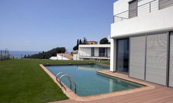 Modernas casas de nueva construcción en Arenys de Mar | 10-12lusa-house-new-buildjpeg-570x340-jpg