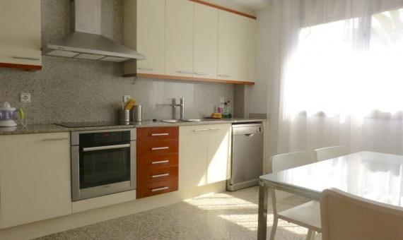 Casa adosada en la 1ra linea del mar en urbanización de lujo Gava Mar | 17-lusa-rent-house-gavamar00019jpg-570x340-jpg