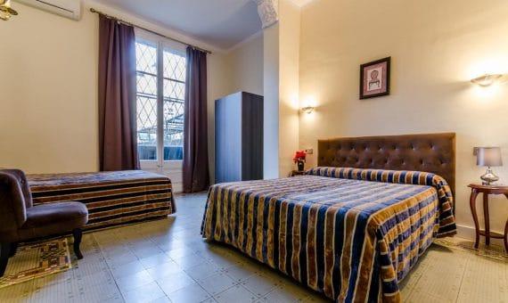 Hotel 2** en el centro de Barcelona cerca de Plaza Cataluña en venta | 40624646-570x340-jpg