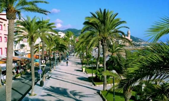 Edificio en Sitges situado en la primera línea de mar en venta | sitges-ruta-terramarsitges_paseo_aerea-570x340-jpg