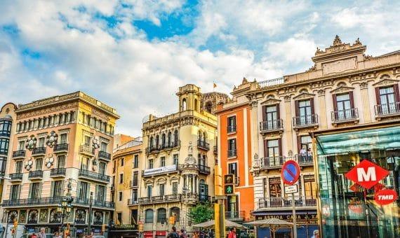 Edificio residencial en el centro histórico de Barcelona  El Raval en venta | la-rambla-barcelona-570x340-jpg