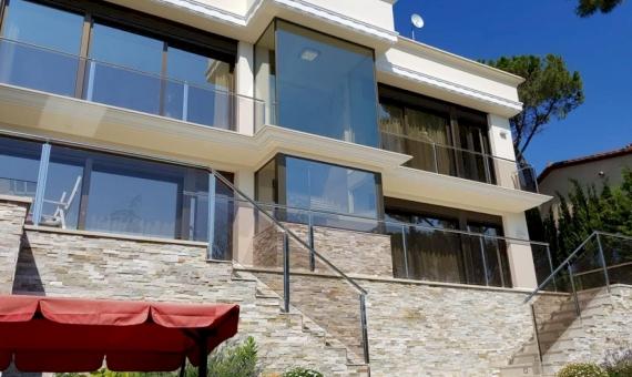 Elegante casa con vistas del mar en la Costa Brava | 1-5-570x340-jpg