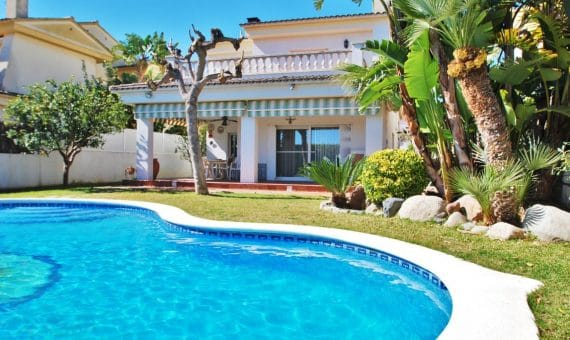 Hermosa villa Fabiana con piscina privada en Calafell | 3-fileminimizer-1-570x340-jpg