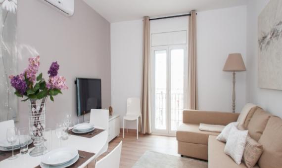Apartamento con licencia turística en Plaza Catalunya | 1-570x340-png