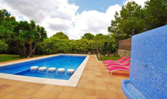 Villa de lujo de 3 plantas a pocos minutos de la playa | 6-fileminimizer-570x340-jpg