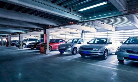 Parking para 400 plazas cerca de la plaza Francesc Macia | shutterstock_154988729-570x340-jpg