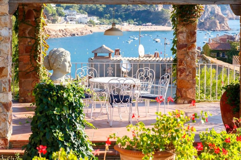 Costa Brava atrae a los turistas e inversores de todo el mundo