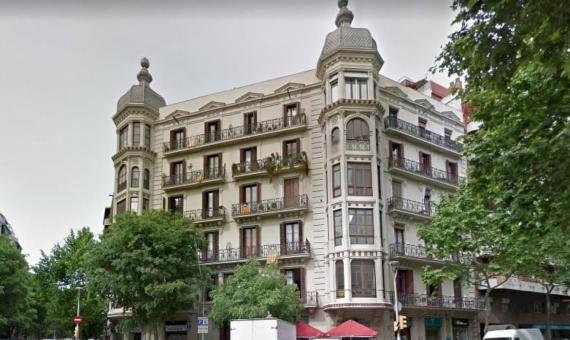 Paquete de 4 locales comerciales en el centro de Barcelona | 1-570x340-jpg