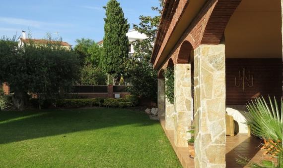 Casa con un jardín bien cuidado de 1000 m2 en Altafulla | 005-570x340-jpg