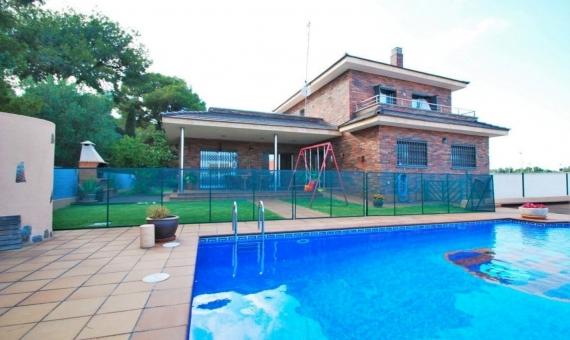 Villa familiar de 200 m2 con piscina en Coma Ruga | 1-570x340-jpg