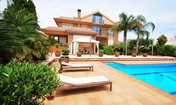Villa 350 m2 con vistas al mar en Calafell | 5-2-570x340-jpg