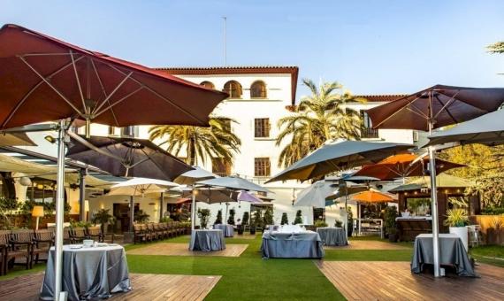 Hotel 3 *** con la parcela de 70.000 m2 en los alrededores de Barcelona | image-35-570x340-jpg