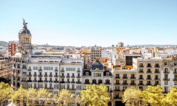 Local 217 m2 en Paseo de Gracia, Eixample | shutterstock_734408065-2-570x340-jpg