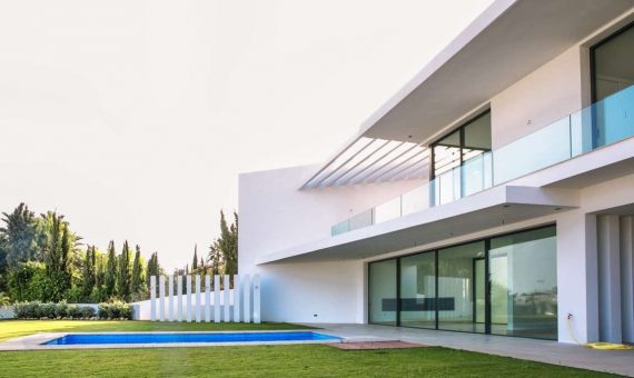 Villa de 551 m2 en estilo contemporáneo en Marbella | p2070133-1-570x340-jpg