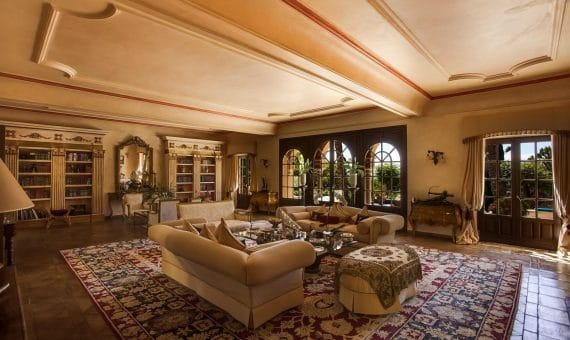 Villa en Marbella 1000 m2, jardin, piscina, aparcamento   | 263-00454p_8468-570x340-jpg
