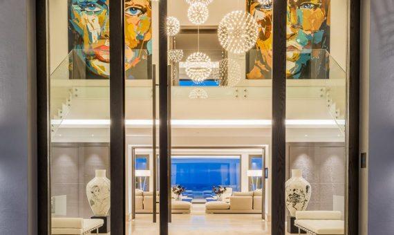 Villa en Marbella 2600 m2, jardin, piscina, aparcamento   | 81d739c4-3c76-4a8a-842e-91eabf18c626-570x340-jpg