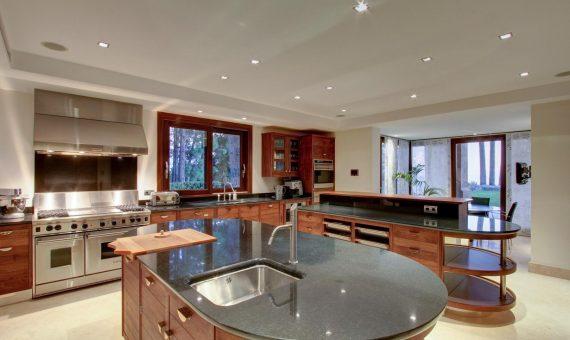 Villa en Marbella 2502 m2, jardin, piscina, aparcamento   | d047e340-eb0e-4015-a6fa-e751fdb559d9-570x340-jpg